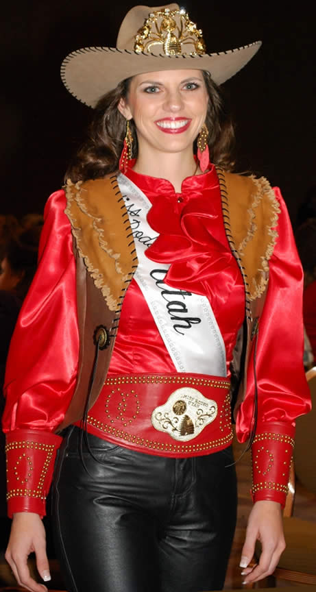 Jamie Udell, Miss Rodeo Utah 2011 in a red leather belt, cuffs & earrings